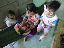 Xót lòng đám tang vợ chồng nghèo chết dưới bánh xe container, bỏ lại 3 con thơ
