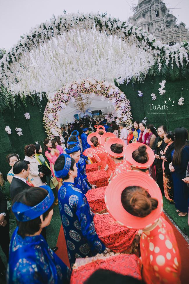 Đám cưới tại lâu đài trăm tỷ, rước dâu bằng Rolls-Royce và máy bay: Nam Định xứng đáng đứng đầu về độ chịu chơi tổ chức đám cưới-18