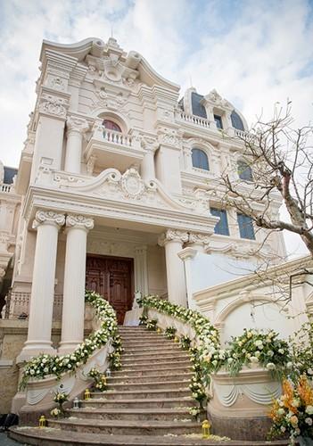 Đám cưới tại lâu đài trăm tỷ, rước dâu bằng Rolls-Royce và máy bay: Nam Định xứng đáng đứng đầu về độ chịu chơi tổ chức đám cưới-24