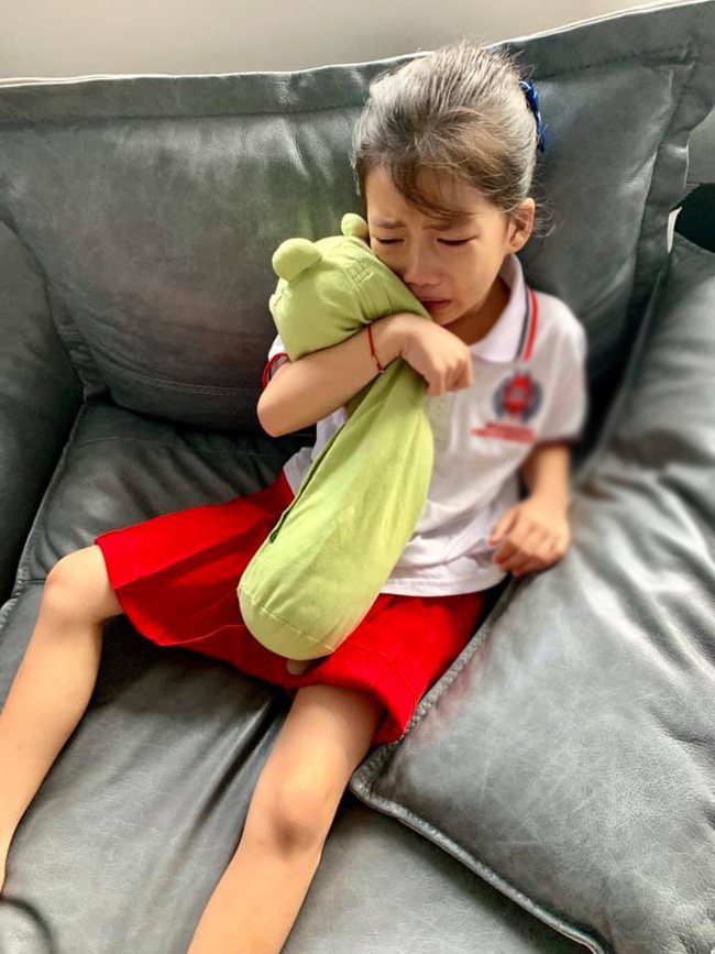 Con gái khóc không muốn đi học, mẹ Ốc Thanh Vân lại cho phép lười biếng tí chả sao và cái kết bất ngờ-3
