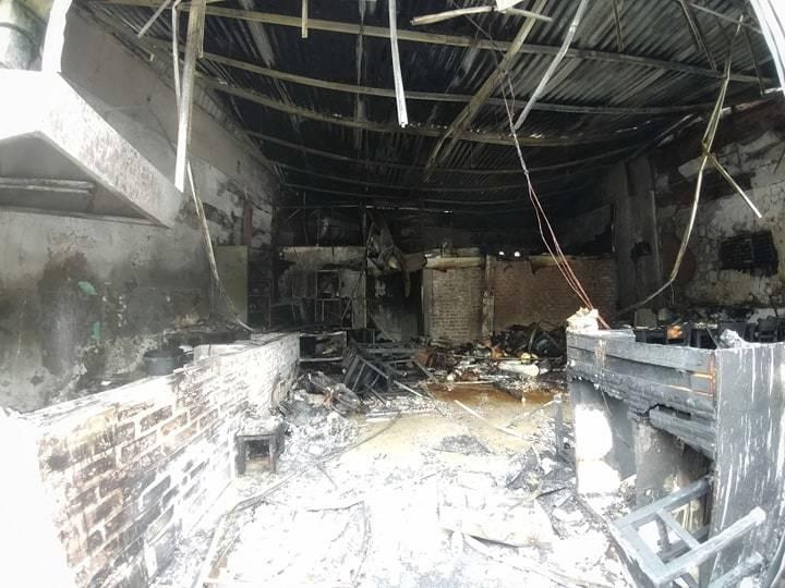 Hà Nội: Lửa thiêu rụi quán cháo ếch, 1 người bị thương-3