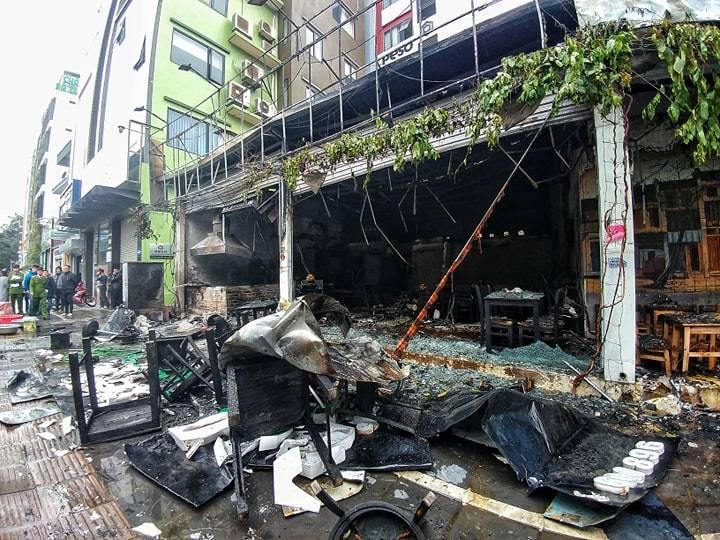 Hà Nội: Lửa thiêu rụi quán cháo ếch, 1 người bị thương-4