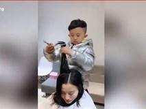 Đứng hình xem bé trai 6 tuổi cắt tóc đẳng cấp như thợ chuyên nghiệp