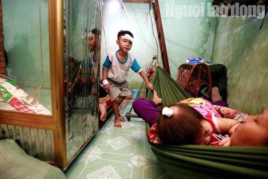 Cha mẹ chết dưới bánh xe container, con cái ra rừng, ra rẫy ngủ-4