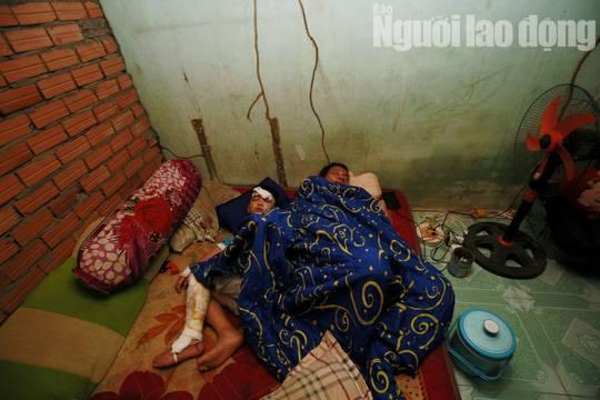 Cha mẹ chết dưới bánh xe container, con cái ra rừng, ra rẫy ngủ-7