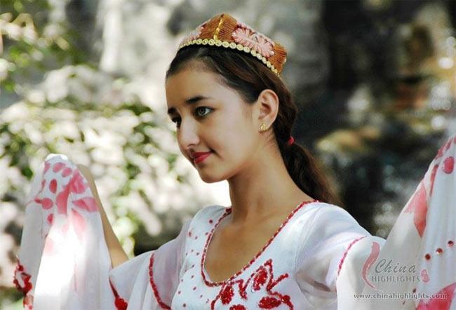 Tộc người nhiều gái đẹp nhất, sản sinh toàn quốc sắc thiên hương ở Trung Quốc-14