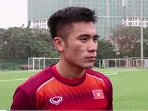 Nhận tin Việt Nam lọt vào vòng 1/8 Asian Cup, Bùi Tiến Dụng ăn mừng trong lúc dùng bữa sáng ở đội U22