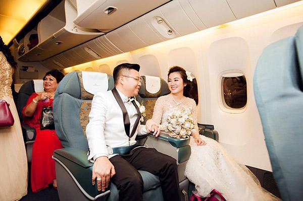 Đám cưới tiền tỷ rúng động Nam Định 2016 kết thúc: Cô dâu ở nhà, 2 năm chăm 3 con-1