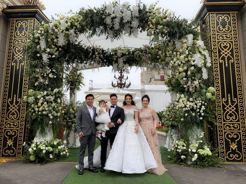 Đám cưới tiền tỷ rúng động Nam Định 2016 kết thúc: Cô dâu ở nhà, 2 năm chăm 3 con-4