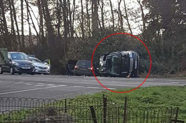 Vận xui đeo bám Hoàng gia Anh: Chồng Nữ hoàng gặp tai nạn xe hơi nghiêm trọng, trong đó có trẻ 10 tháng tuổi-1
