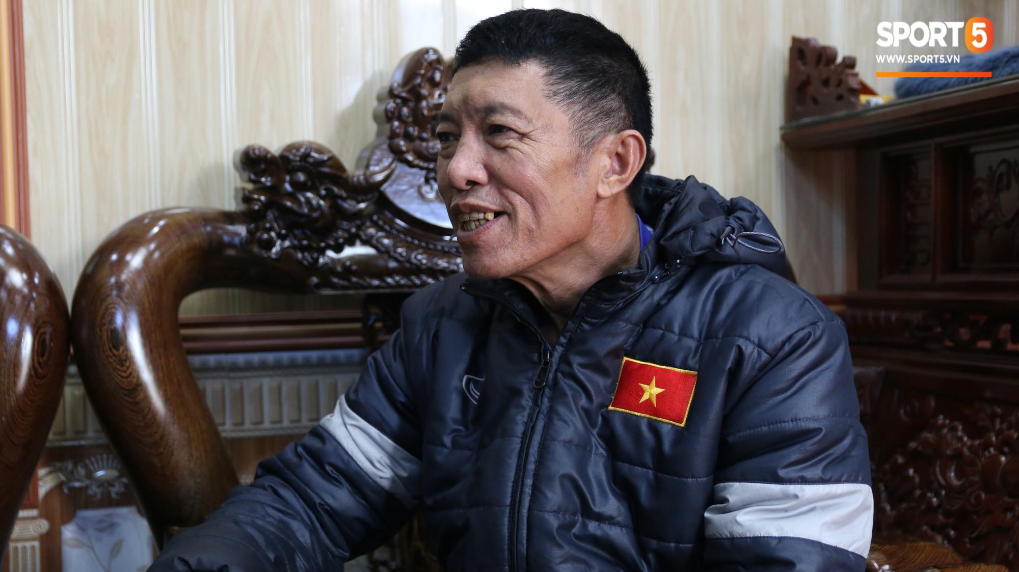 Về thăm nhà Văn Hậu, phát hiện món quà đầu tiên em út ĐT Việt Nam mua cho cha mẹ bằng đồng lương kiếm được-3