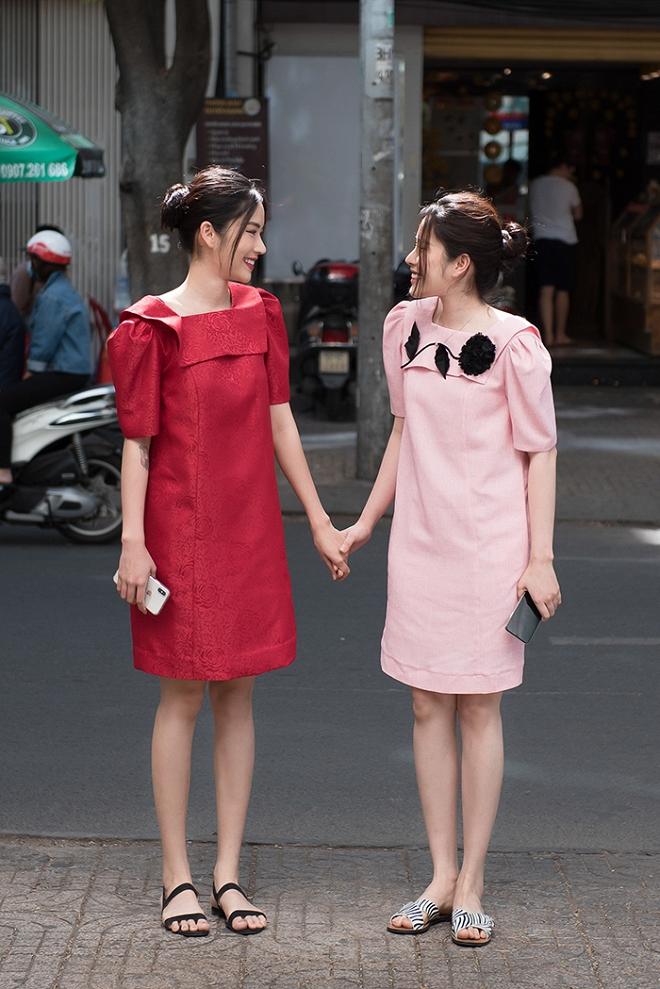 Chị em Nam Anh - Nam Em nắm chặt tay tung tăng xuống phố-1