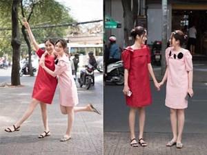 Chị em Nam Anh - Nam Em nắm chặt tay tung tăng xuống phố