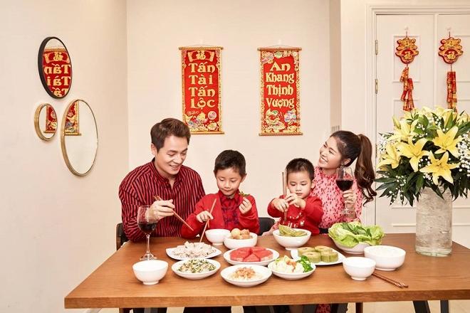 Bộ ảnh đón Tết của gia đình Đăng Khôi: Nhìn thôi cũng đã thấy ấm áp rồi!-1