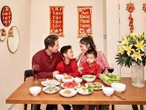 Bộ ảnh đón Tết của gia đình Đăng Khôi: Nhìn thôi cũng đã thấy ấm áp rồi!