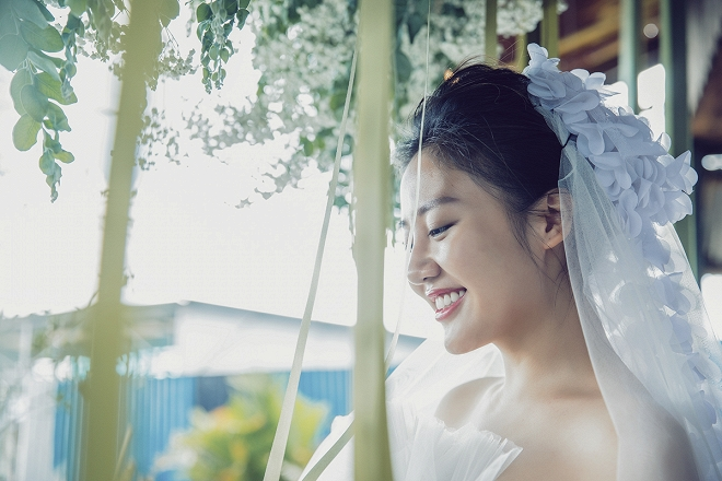 Văn Mai Hương hóa cô dâu gợi cảm khi chủ động cầu hôn bạn trai-2