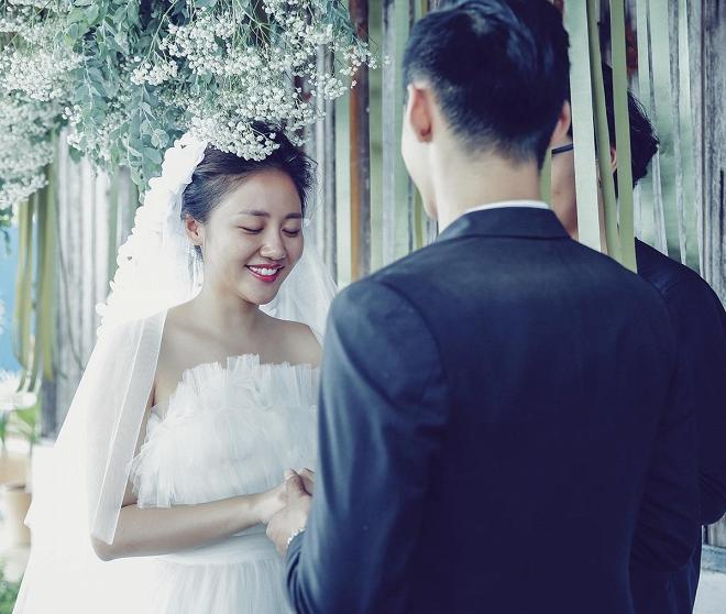 Văn Mai Hương hóa cô dâu gợi cảm khi chủ động cầu hôn bạn trai-3