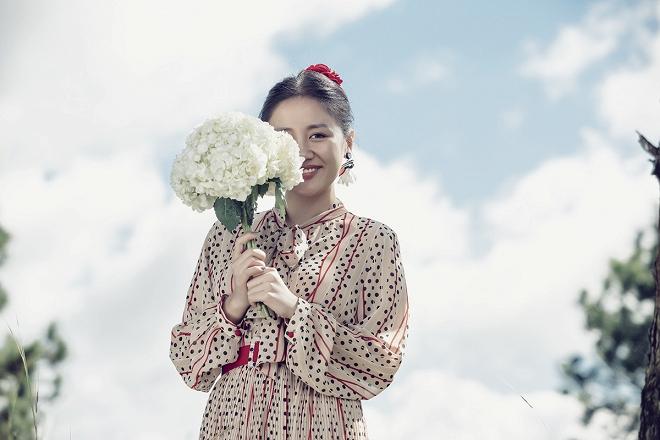 Văn Mai Hương hóa cô dâu gợi cảm khi chủ động cầu hôn bạn trai-7