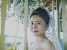 Văn Mai Hương hóa cô dâu gợi cảm khi chủ động cầu hôn 'bạn trai'