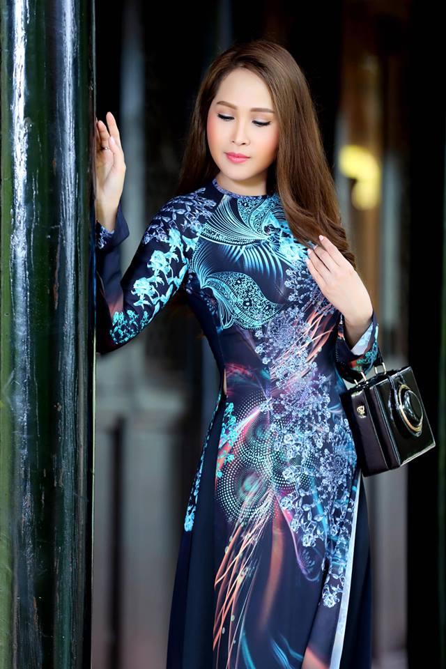 Gái nhảy Minh Thư khoe đường cong quyến rũ qua tà áo dài-3