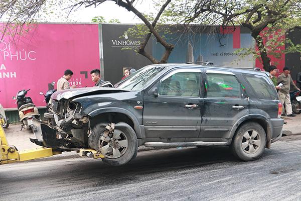 Ô tô đâm 5 xe trên phố Ngọc Khánh, cụ bà đi bộ tử vong-4