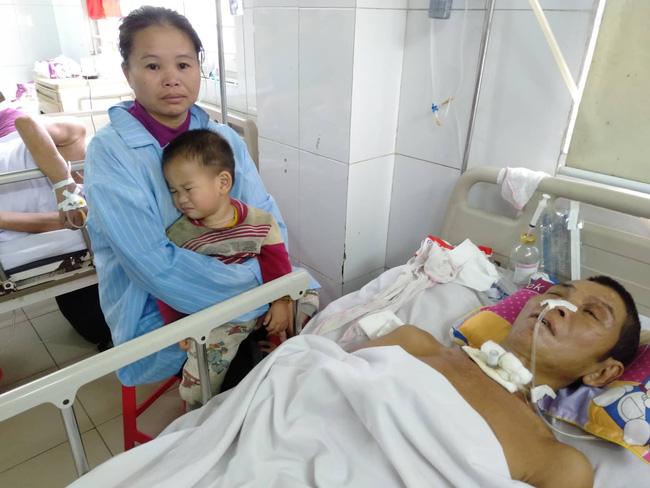 Nghệ An: Con trai 2 tuổi sợ hãi khóc thét sau 2 tháng gặp lại bố bị tai nạn giao thông-2