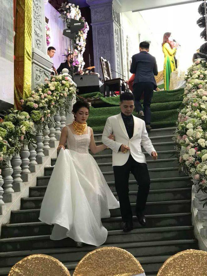 Nhan sắc ngoài đời cực nóng bỏng của cô dâu được bố tặng 200 cây vàng hot nhất Nam Định-2