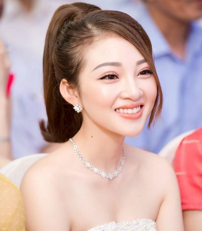 Nhan sắc ngoài đời cực nóng bỏng của cô dâu được bố tặng 200 cây vàng hot nhất Nam Định-3