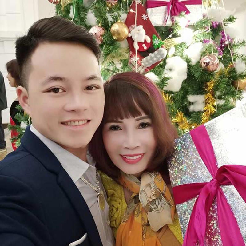 """Hơn chồng 36 tuổi, cô dâu Cao Bằng đại tu"""" những bộ phận này để không bị nhầm là mẹ - con-10"""