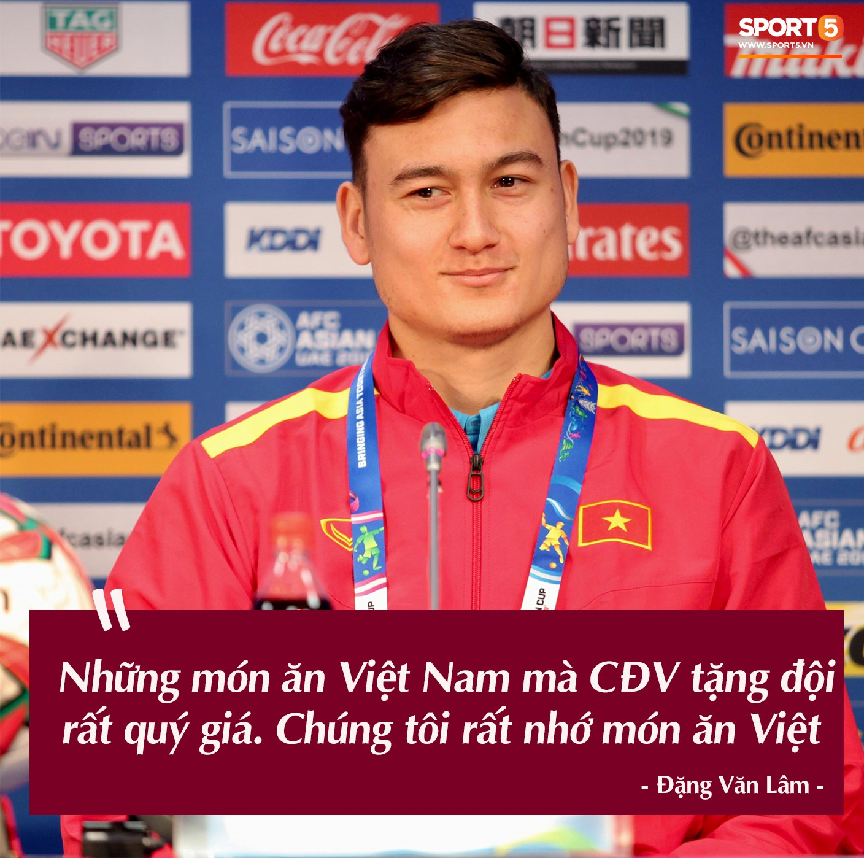 Trước vòng đấu loại trực tiếp Asian Cup 2019, Đặng Văn Lâm tuyên bố: Anh sẽ về, nhưng không phải hôm nay-1