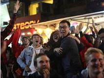 Hàng triệu người hâm mộ vỡ òa hạnh phúc trước chiến thắng của ĐT Việt Nam