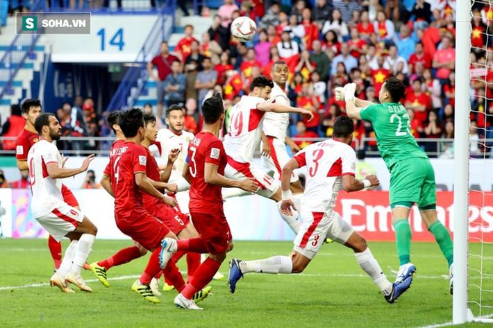 Nhìn Thái Lan, mới thấy sức mạnh vá trời lấp biển của đội tuyển Việt Nam đến từ đâu-2