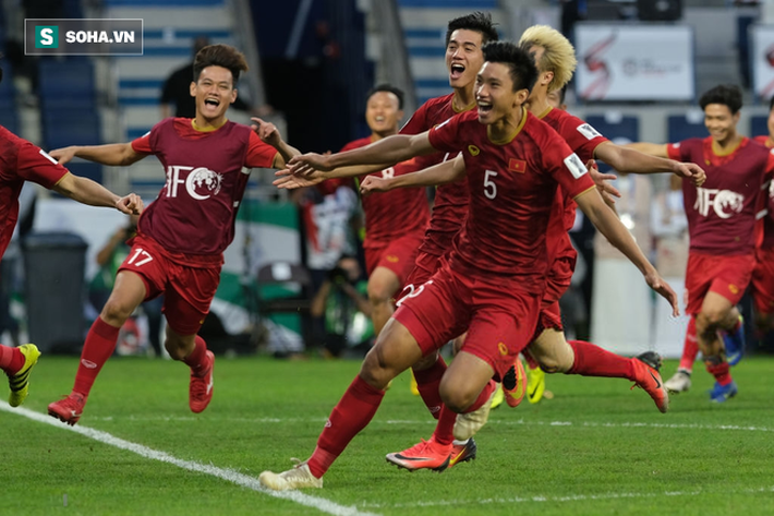 Nhìn Thái Lan, mới thấy sức mạnh vá trời lấp biển của đội tuyển Việt Nam đến từ đâu-3