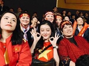 Dàn Hoa hậu, Á hậu đau tim, vỡ oà khi Việt Nam thắng Jordan