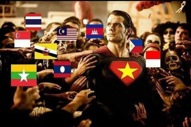 Dân mạng chế ảnh hài hước sau chiến thắng nghẹt thở của tuyển Việt Nam-12