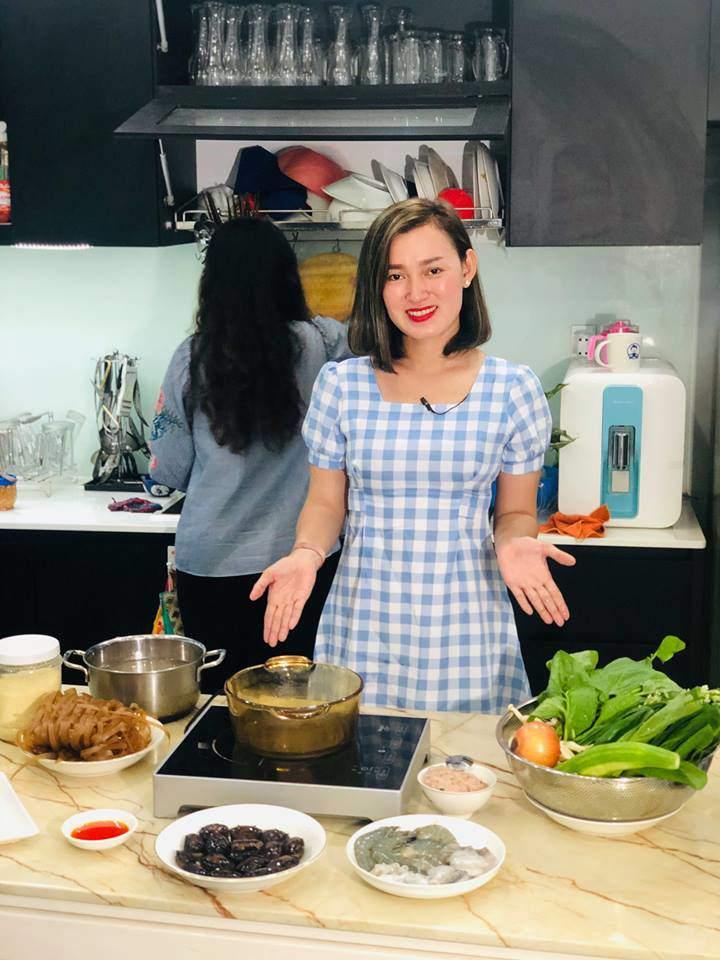 Mẹ SG kho cá tanh thối nhà thối cửa bỗng thành siêu đầu bếp, lên truyền hình như cơm bữa-1