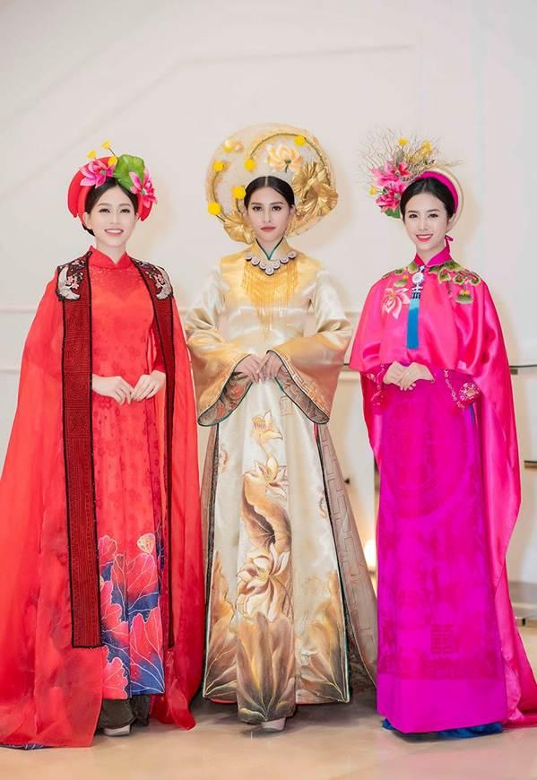 Hoa hậu Tiểu Vy mặc áo dài cung đình, đọ sắc Á hậu Phương Nga-Thuý An-1