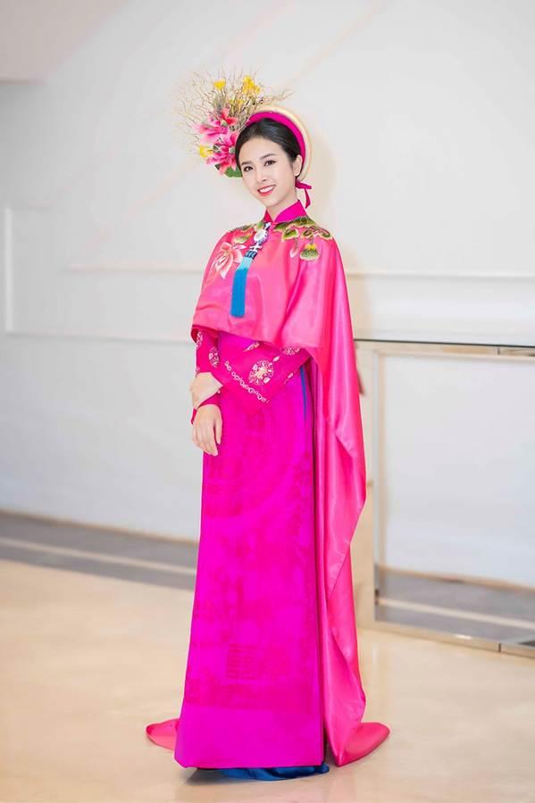 Hoa hậu Tiểu Vy mặc áo dài cung đình, đọ sắc Á hậu Phương Nga-Thuý An-9