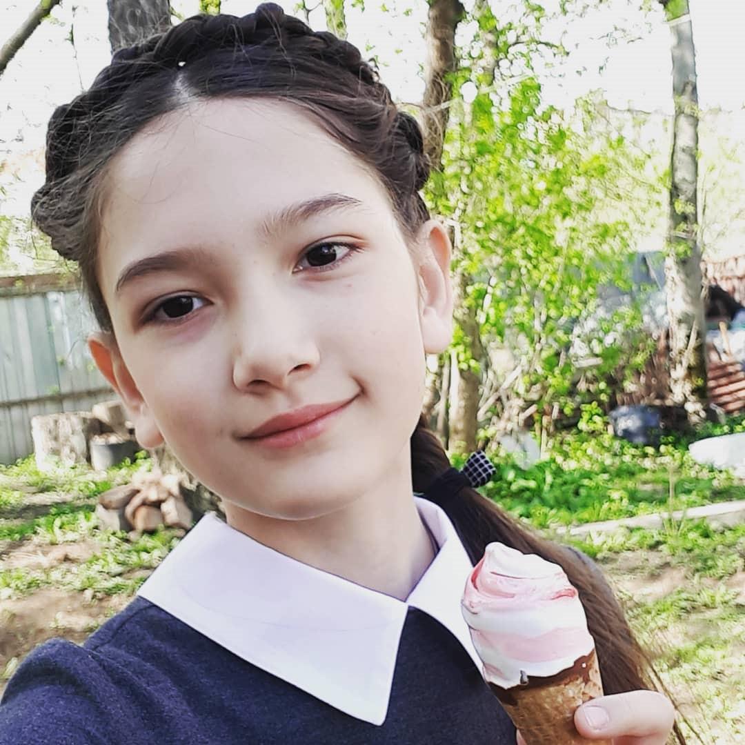 Em gái Đặng Văn Lâm hô vang Việt Nam, nói yêu anh trai rất nhiều-1