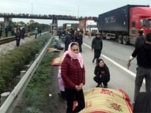 Xe tải đâm đoàn đi viếng nghĩa trang, 8 người chết