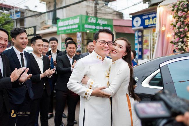 Sau đám cưới với vợ kém 19 tuổi, NSND Trung Hiếu: Tôi không có cả đêm tân hôn!-2