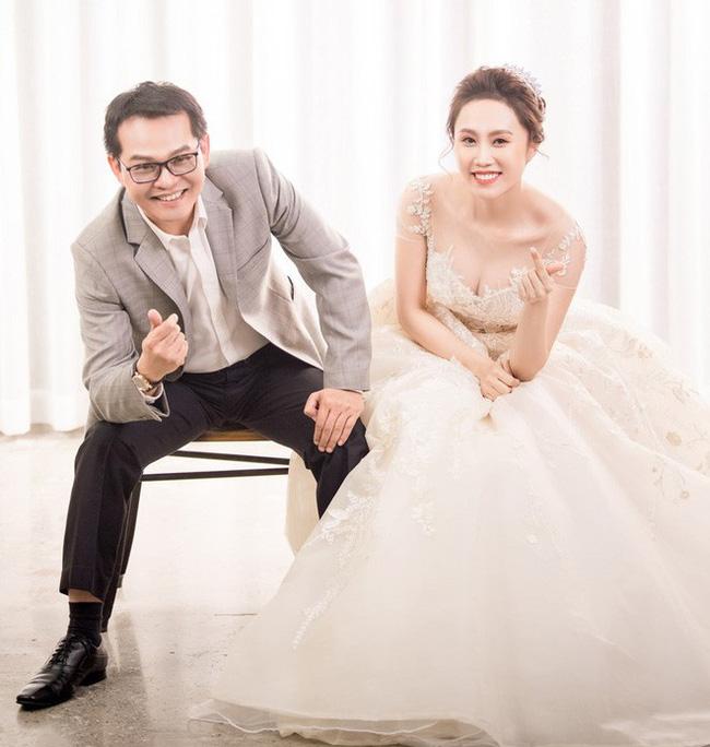 Sau đám cưới với vợ kém 19 tuổi, NSND Trung Hiếu: Tôi không có cả đêm tân hôn!-3