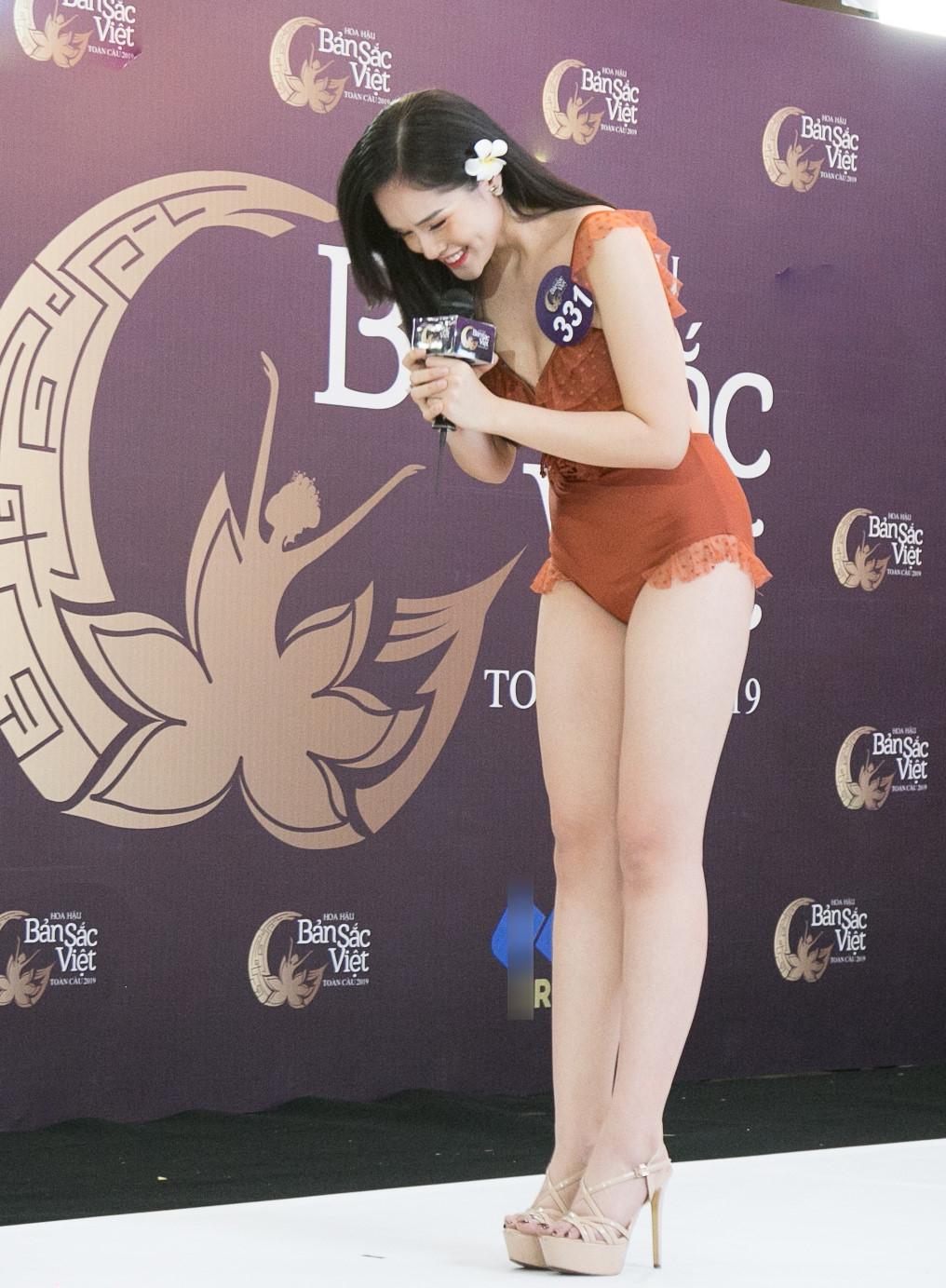 Thí sinh Hoa hậu Bản sắc Việt mặc áo tắm thi hình thể: Mặt xinh, eo to-2