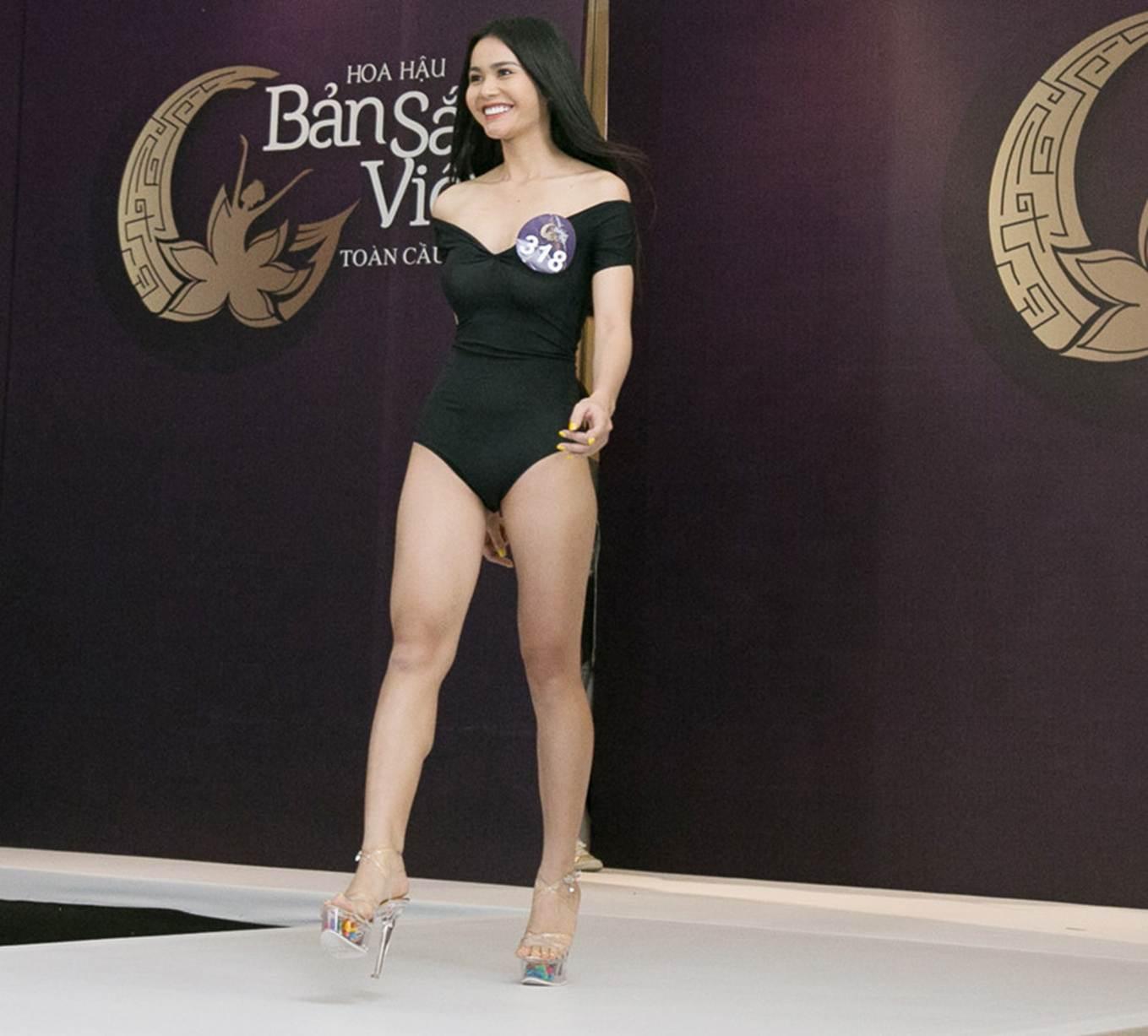 Thí sinh Hoa hậu Bản sắc Việt mặc áo tắm thi hình thể: Mặt xinh, eo to-3