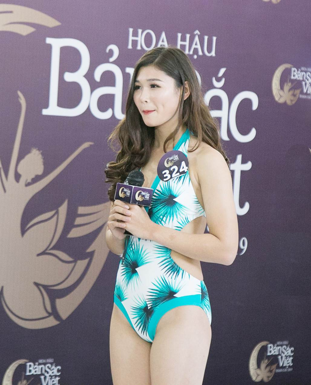 Thí sinh Hoa hậu Bản sắc Việt mặc áo tắm thi hình thể: Mặt xinh, eo to-4