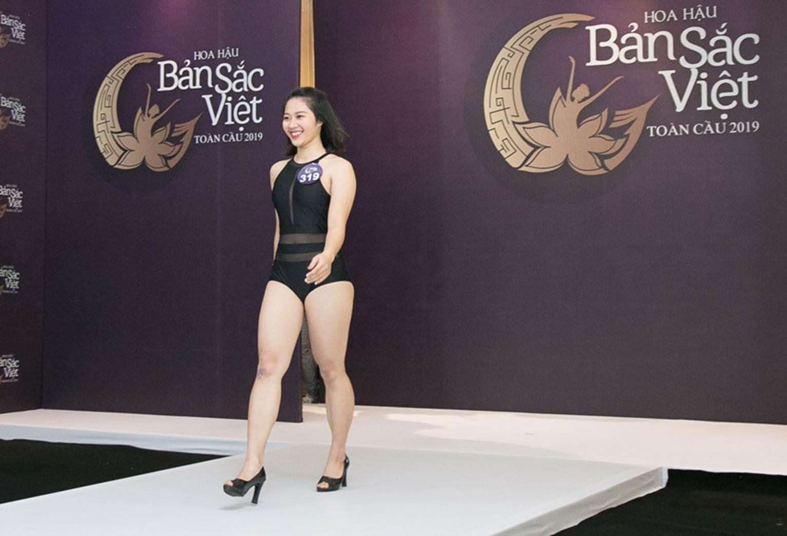 Thí sinh Hoa hậu Bản sắc Việt mặc áo tắm thi hình thể: Mặt xinh, eo to-5