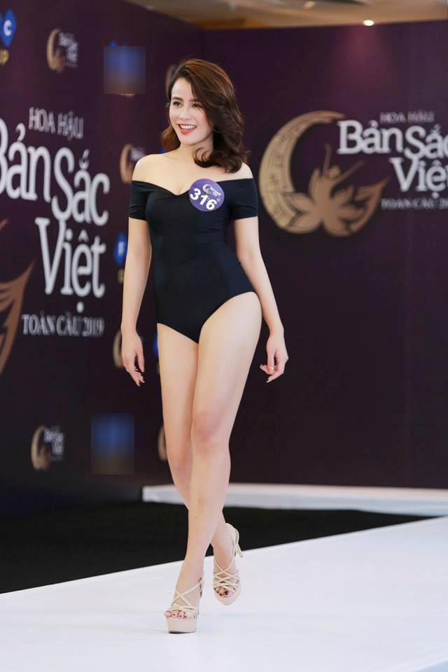 Thí sinh Hoa hậu Bản sắc Việt mặc áo tắm thi hình thể: Mặt xinh, eo to-6