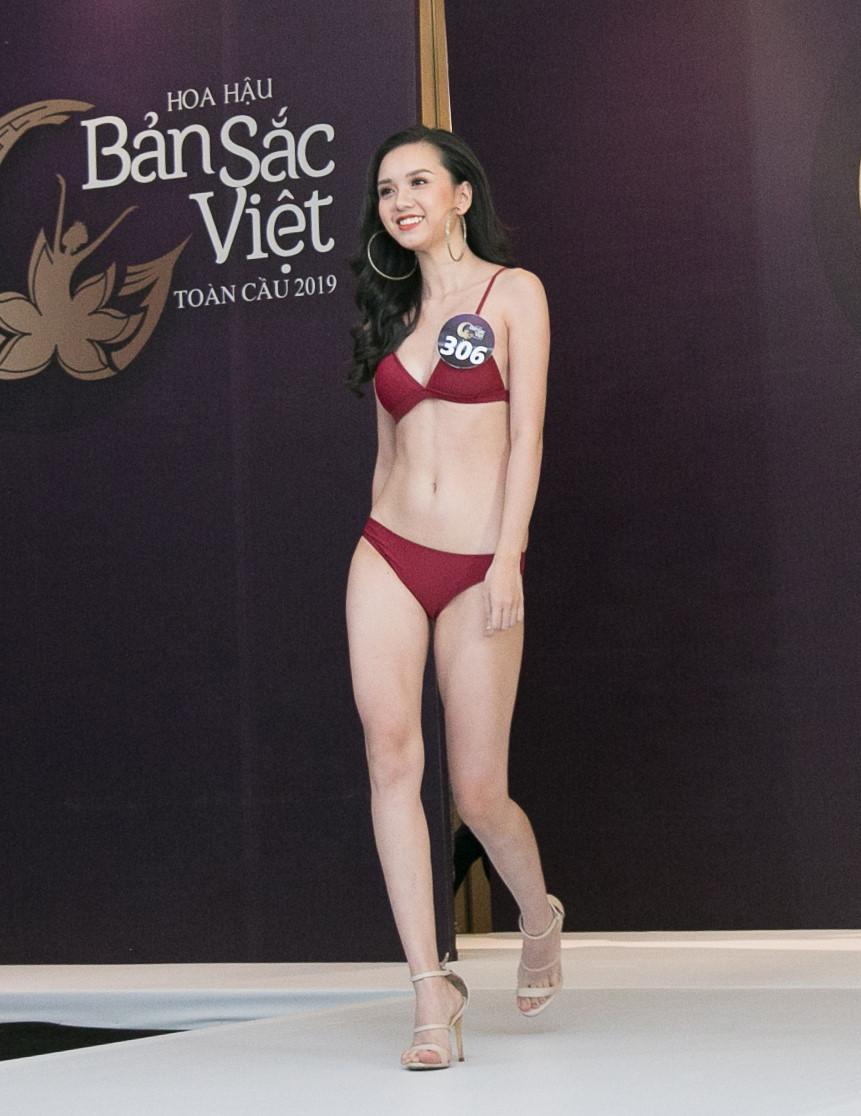 Thí sinh Hoa hậu Bản sắc Việt mặc áo tắm thi hình thể: Mặt xinh, eo to-10