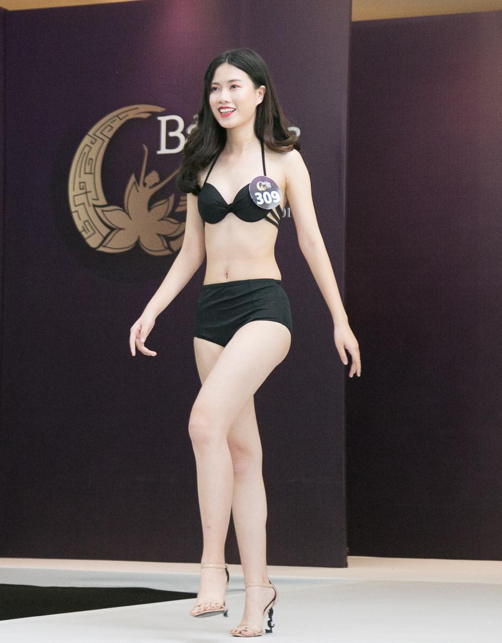 Thí sinh Hoa hậu Bản sắc Việt mặc áo tắm thi hình thể: Mặt xinh, eo to-11