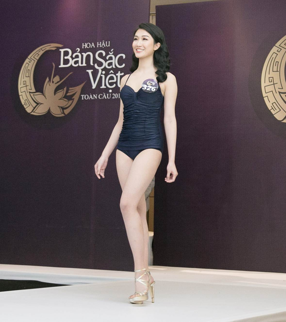 Thí sinh Hoa hậu Bản sắc Việt mặc áo tắm thi hình thể: Mặt xinh, eo to-8
